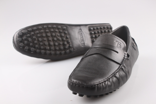Tods Men Gommino Soft Leather Shoes With Farrari Logo Black 05